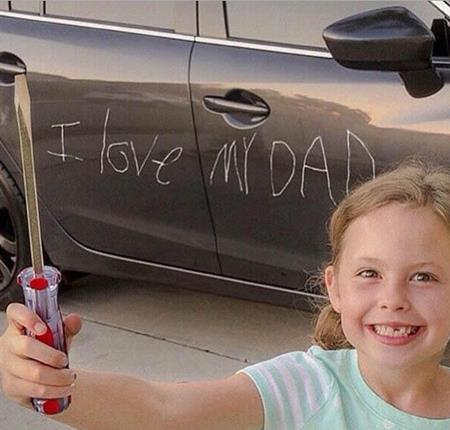Chùm ảnh chứng minh làm cha thật khó