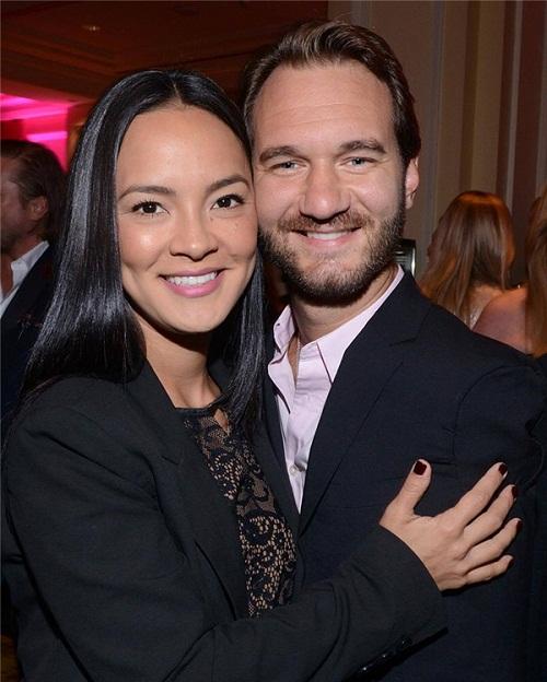 Nick và cô vợ xinh đẹp