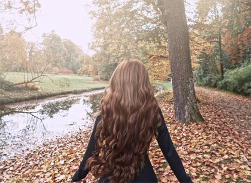 """""""Công chúa tóc mây"""" khiến ai gặp cũng phải ngây ngất"""