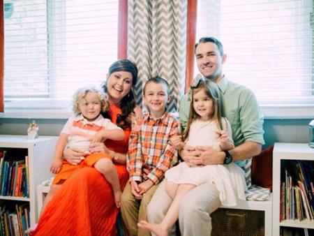 Chị gái của Amber chụp ảnh cùng 4 bố con