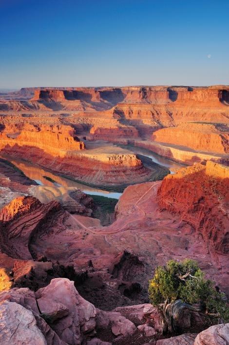 Vườn quốc gia Canyonlands ở Utah - Ảnh: National Geographic
