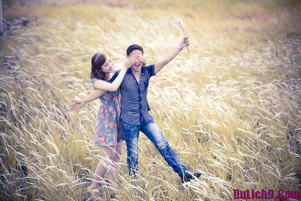 Cánh đồng cỏ lau – địa điểm chụp ảnh cưới đẹp ở Sài Gòn