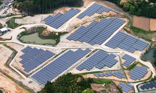 Nhà máy điện Mặt Trời lớn nhất thế giới ở Ấn Độ. Ảnh: Aljazeera.