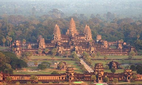 Các nhà khảo cổ phát hiện tàn tích của thành phố cổ đại bao quanh khu phức hợp đền thờ Angkor Wat ở Campuchia. Ảnh: Tan Chhin Sothy.