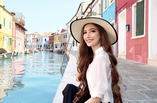 Sarah Trần - cô gái có mái tóc đẹp nổi tiếng trên mạng xã hội