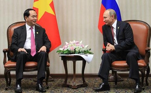 Chủ tịch nước Trần Đại Quang và Tổng thống V. Putin tại cuộc gặp cấp cao Việt Nam - Nga - Ảnh: VOV