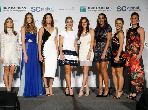 Johanna Konta (thứ ba, từ trái) mất quyền tham dự vào tay Svetlana Kuznetsova