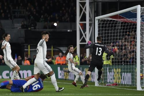 Bàn thắng hợp lệ của Mata bị từ chối