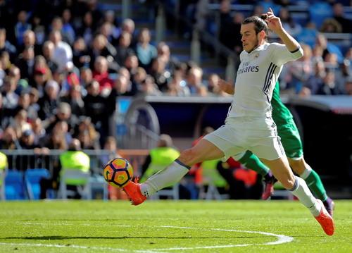 Gareth Bale tỏa sáng với cú đúp bàn thắng cho Real Madrid
