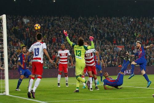 Rafinha ghi bàn duy nhất cho Barcelona