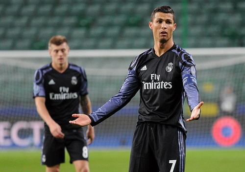 Real Madrid bất lực trước đối thủ tí hon Legia Warsaw
