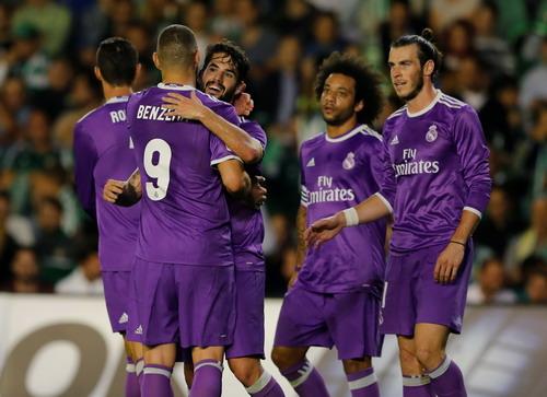 Benzema, Marcelo, Isco và Ronaldo thay nhau lập công cho Real Madrid