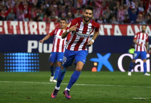 Yannick Carrasco lập hat-trick, Atletico đại thắng