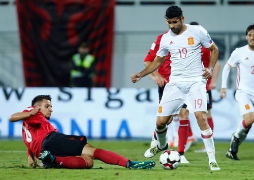 Diego Costa khai thông thế bế tắc bằng bàn mở tỉ số phút 55