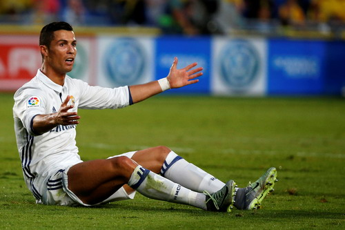 Ronaldo thi đấu mờ nhạt trước Las Palmas