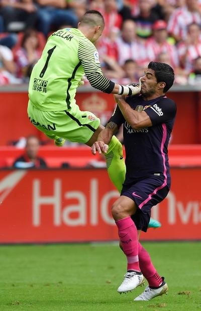 Luis Suarez khai thông thế bế tắc cho Barcelona