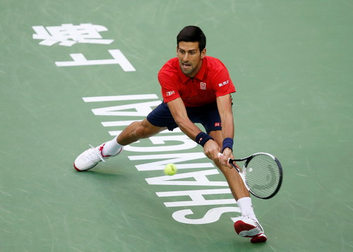 Djokovic phạm nhiều sai sót trước Bautista Agut