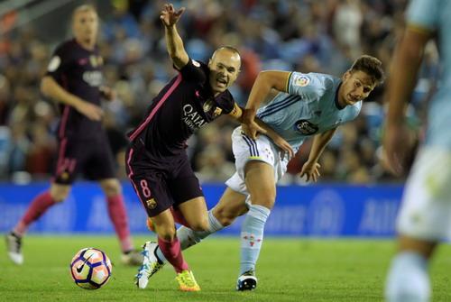 Iniesta thi đấu tỏa sáng sau khi vào sân