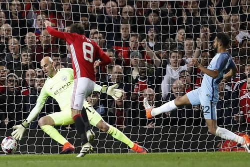 Juan Mata đánh bại thủ môn Caballero, ghi bàn duy nhất