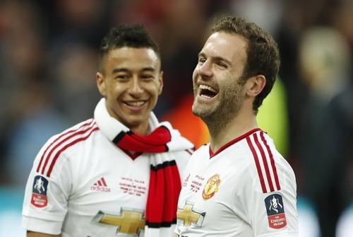 Mata và Lingard ghi hai bàn thắng cho Quỷ đỏ ở chung kết FA Cup mùa trước