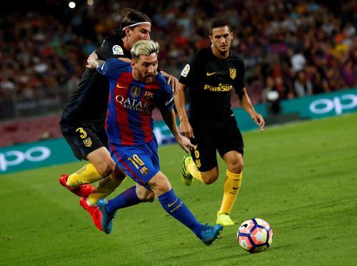 Messi vẫn là người tạo cảm hứng trên hàng công Barca