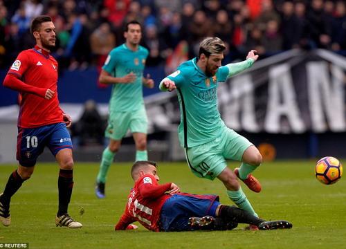 Messi lập cú đúp, vượt lên dẫn đầu danh sách ghi bàn La Liga