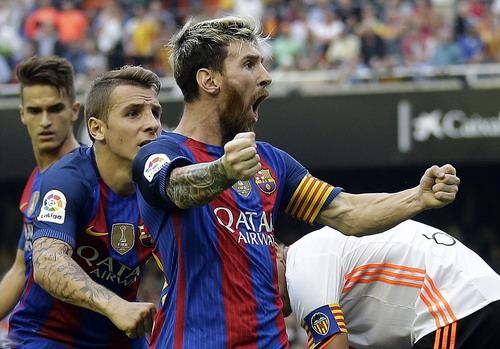 Messi xứng đáng nhận sự đãi ngộ dành cho cầu thủ hay nhất thế giới