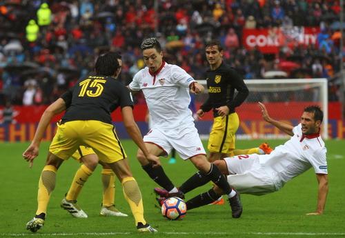Samir Nasri tỏa sáng trong màu áo Sevilla