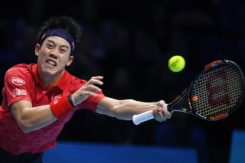 Nishikori phải đỡ bóng bằng tay trái - hình ảnh hiếm hoi