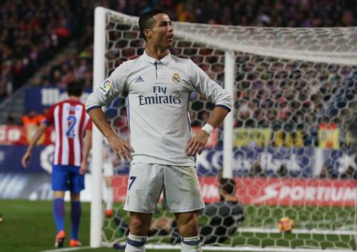 Hoàn tất cú hat-trick thứ 39 trong sự nghiệp, nhấn chìm Atletico Madrid