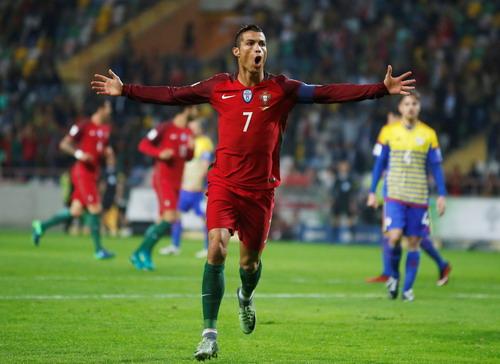 Ronaldo lập hat-trick thứ 42 trong sự nghiệp