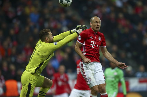 Robben trở lại, Bayern Munich tìm lại sức mạnh