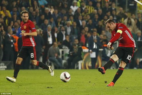 Roonay có bàn thắng danh dự cho Man United