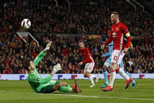 Wayne Rooney mở tỉ số trận đấu