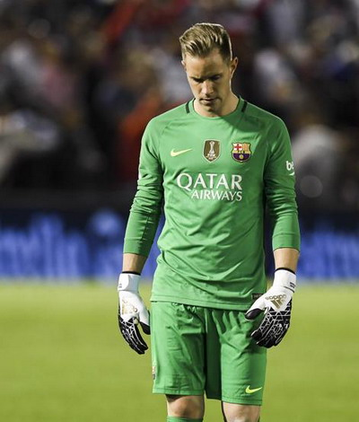 Hàng thủ mơ ngủ, Barcelona thua trắng