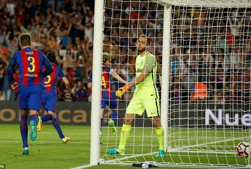 Thủ môn Jan Oblak không kịp phản ứng trước bàn thua