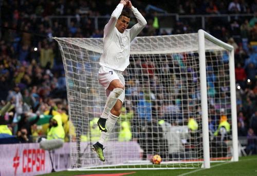 Ronaldo ghi bàn trong trận El Clasico mới nhất với Barcelona
