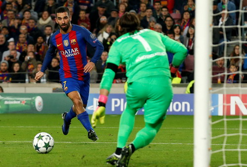 Arda Turan có hat-trick đầu tay tại Barcelona