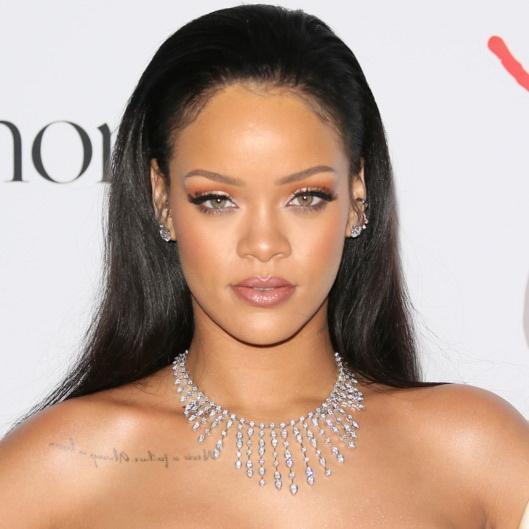 Rihanna có đến 7 đề cử giải AMA năm nay