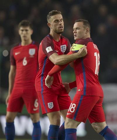 Rooney vào sân quá muộn, không giúp được gì cho tuyển Anh