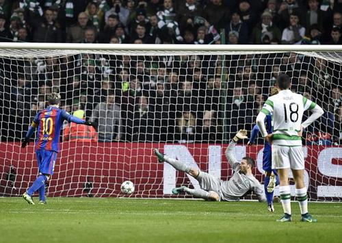 Messi hoàn tất cú đúp với bàn thắng từ chấm 11m