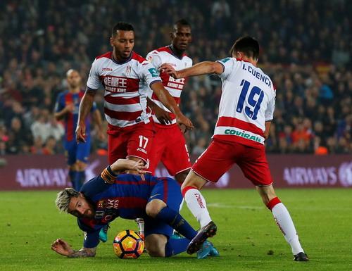 Một trận cầu nhọc nhằn cho Messi và đồng đội