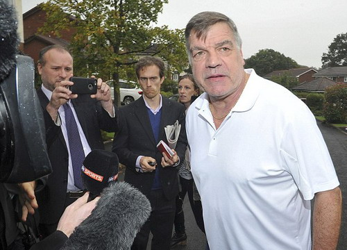 Sam Allardyce rời ghế HLV tuyển Anh sau 67 ngày