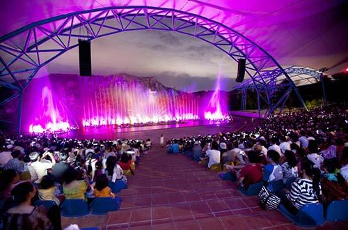 Sân khấu biểu diễn nhạc nước hoành tráng với hệ thống vòi phun 3D tối tân