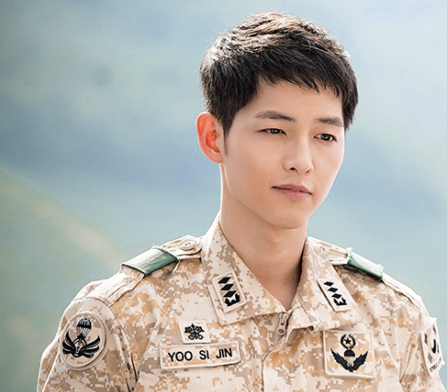 Đại úy Song Joong Ki quyền lực nhất làng giải trí Hàn Quốc