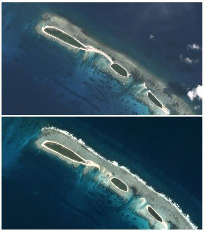 Chiếc cầu (ảnh trên, chụp tháng 10-2016) bị hư hại trong ảnh chụp vào tháng 11 (dưới). Ảnh: Reuters