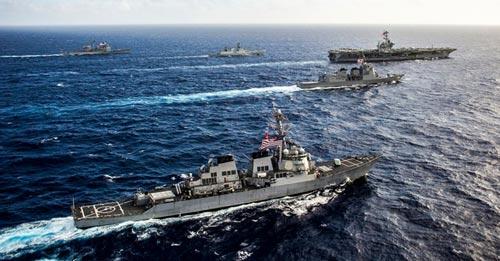 Cuộc tập trận chung Malabar 2016 giữa hải quân Mỹ, Nhật và Ấn Độ ở biển Đông Ảnh: EXAMVEDA