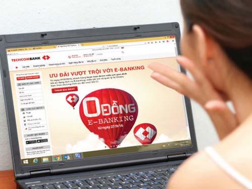 Techcombank: miễn phí giao dịch trực tuyến cho khách hàng cá nhân