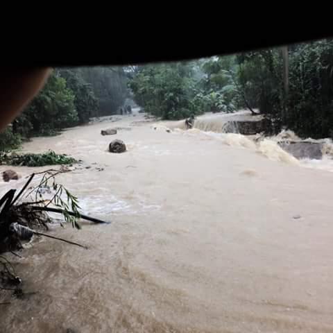 Đường thôn Cồn Cam, xã Đức Hóa bị sạt lở nặng