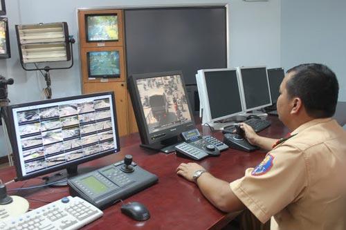 Lực lượng PC67 xử phạt qua hình ảnh camera ghi lại (Ảnh chụp sáng 16-11)
